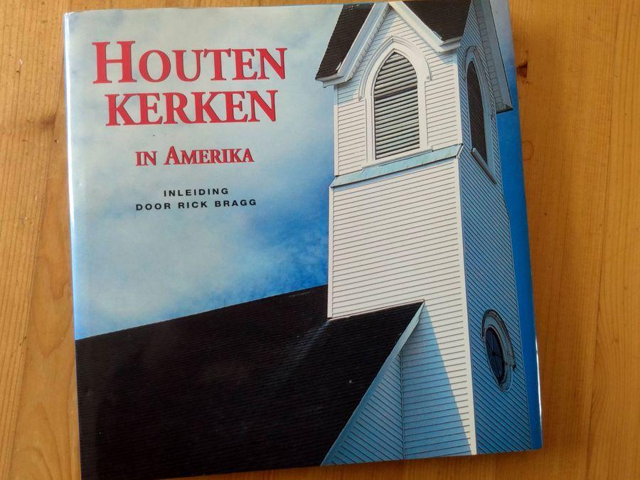 boek houten kerken in amerika (omslag)